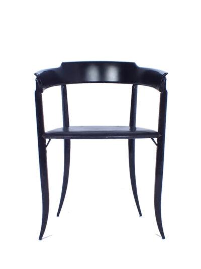 Zwart stoeltje