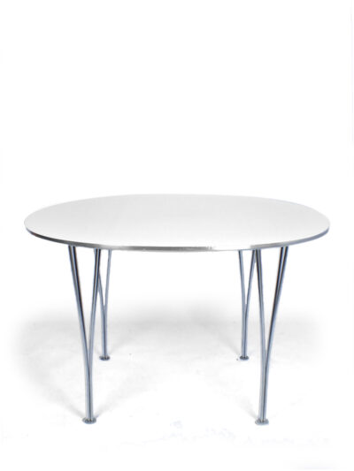 Supercircular table – Fritz Hansen – P. Hein