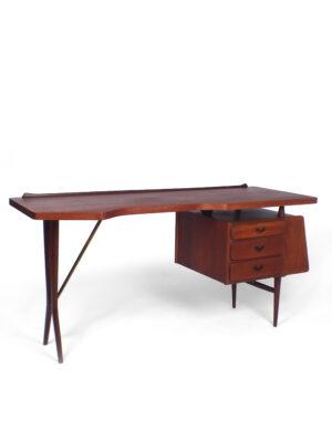 Desk - Louis van Teeffelen – Wébé