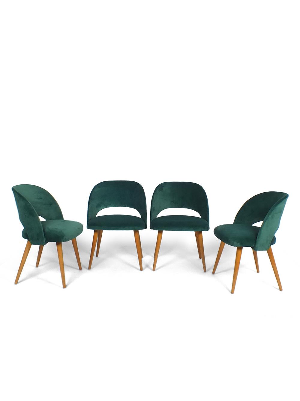 Eetkamerstoelen Set 4.Set Of 4 Chairs In The Style Of Saarinen With Green Velvet