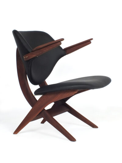 Pelican chair