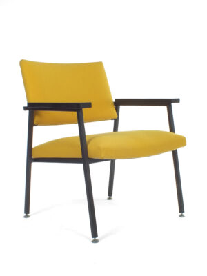 Gele Gispen fauteuil Z10