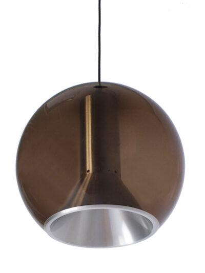 """Grote Raak """"Globe"""" lamp – Frank Ligtelijn"""