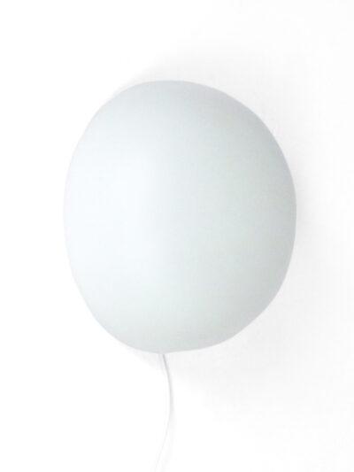 Wit glazen wandlamp