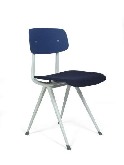 Blue Result stoelen - F. Kramer & W. Rietveld - Hay & Ahrend