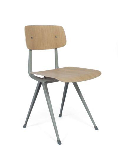 Result stoelen - F. Kramer & W. Rietveld - Hay & Ahrend